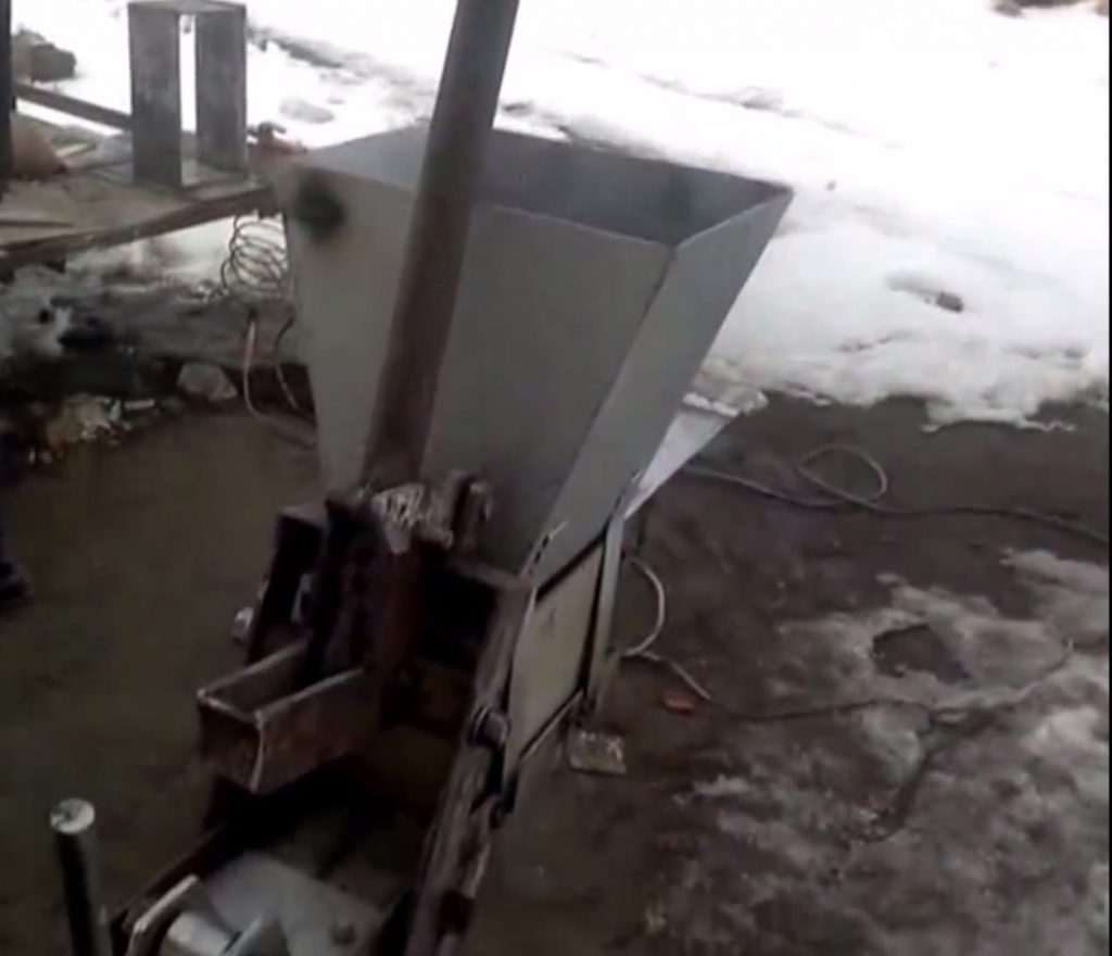 Кирпич своими руками станок 718