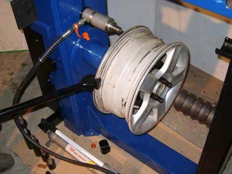 Обзор станков для правки литых дисков